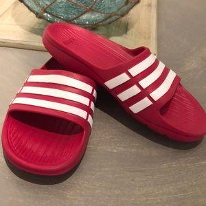 Girls Adidas slides pink